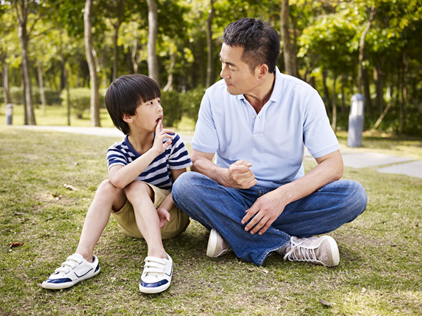 dc4k_single-parent-asking-about-other